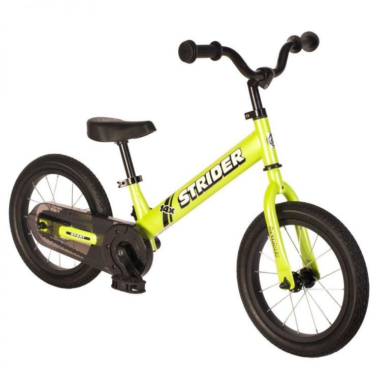 Strider® 14X Verde Balance más Kit de Pedales y Cadena